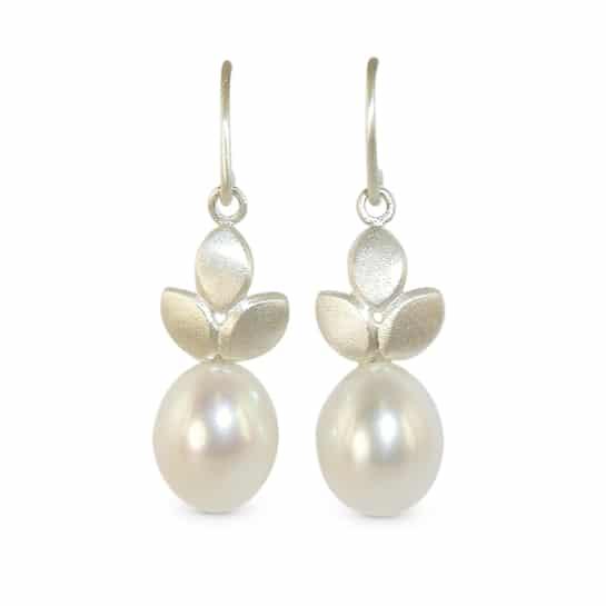 Silver pearl drop earrings for the modern bride - by Jacks Turner