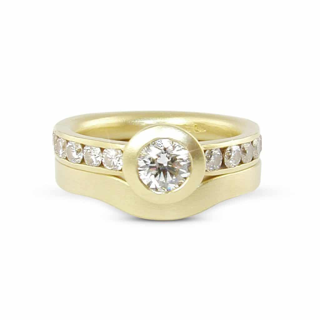 jr14a 5d18y engagement ring with plain wedding band